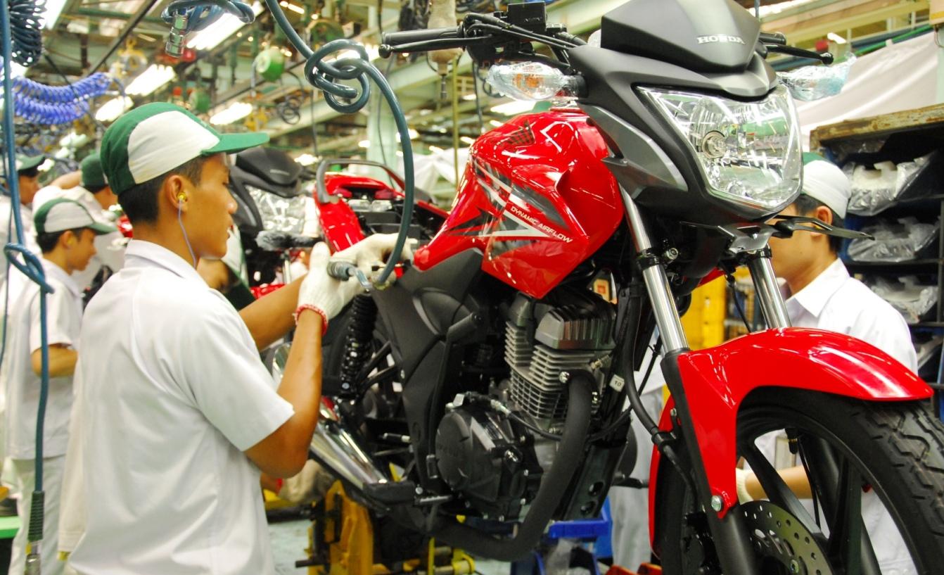Ahm Segarkan Honda Verza 150 Cw Mengusung Konsep Desain Agresif Dengan Garis Grafis Speedy Penyegaran Tampilan Diwujudkan Melalui Stripe Terbaru Yang Sporti