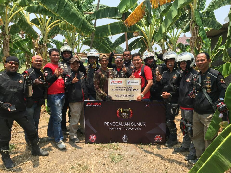 Komunitas Honda PCX Club Indonesia memberikan bantuan dalam aksi sosial pembuatan sumur artesis di kelurahan Brotojoyo, Semarang pada rangkaian acara the 4th Anniversary HPCI (17/10). Dalam peringatan 4 tahun HPCI tersebut, para bikers melakukan aksi kontribusi positif kepada masyarakat melalui beragam aksi sosial mulai kampanye keselamatan berkendara dan kegiatan positif lainnya.