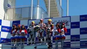 (kanan) Pebalap binaan AHM Gerry Salim meraih podium ketiga kejuaraan balap All Japan Championship (AJC) kelas GP3 seri kelima di sirkuit Okayama, Jepang. Melalui keberhasilannya tersebut, untuk pertama kalinya bendera Merah Putih berkibar di ajang balap bergengsi di Negeri Sakura.